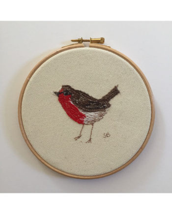 Sarah_becvar_design_embroidery_hoop_art_bird_robin