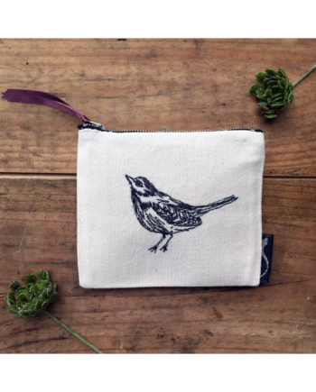 purse-embroidery-wagtail-